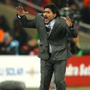 Maradona foi agressivo com santistas