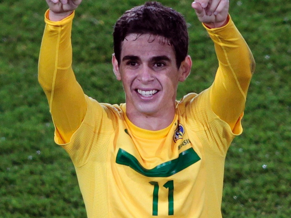 Oscar foi o grande destaque do ttulo brasileiro no Mundial sub-20, marcando os trs gols da vitria, de virada, por 3 a 2, sobre Portugal