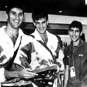 A seleção brasileira masculina de vôlei, de Paulão, Leo e Maurício, ficou em quarto lugar na Olimpíada sul-coreana