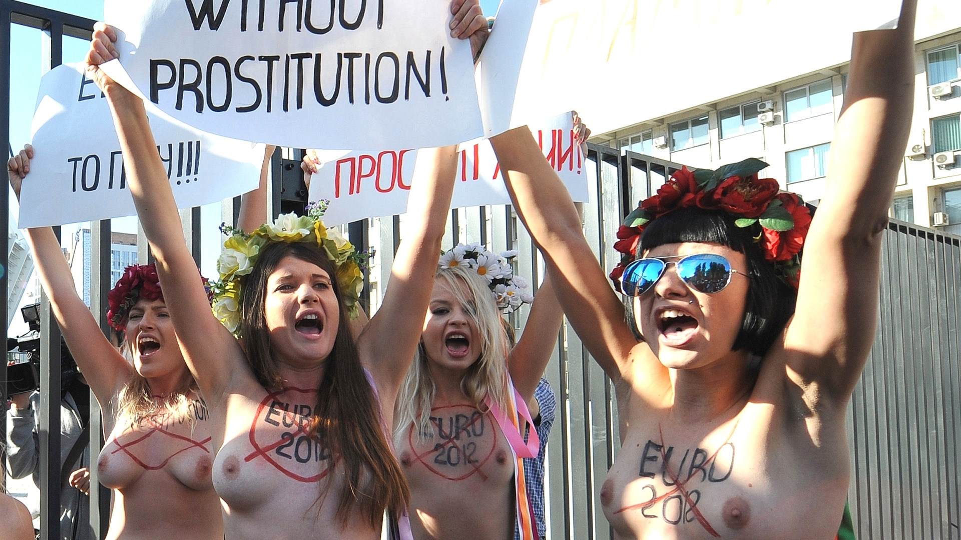Grupo feminista Femen pediu  Uefa e s autoridades ucranianas para que fortaleam o combate  prostituio no pas