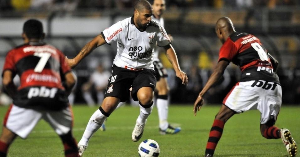 Adriano jogou doze minutos no segundo tempo de Corinthians 3 x 0 Atlético-GO