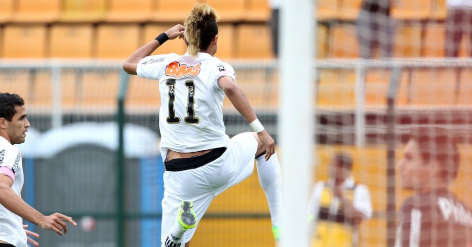 8750eb0116 Foto 10 de 11 - Neymar comemora um dos seus gols marcados na partida entre  Santos e Atlético-PR