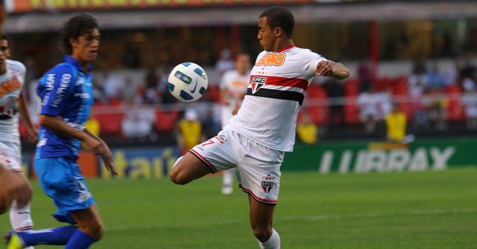 O São Paulo fez 2 a 0 no Avaí, pela 34ª rodada do Campeonato Brasileiro