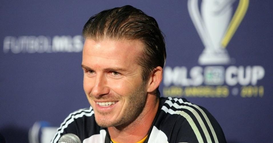Beckham sorri durante entrevista coletiva após o título do Los Angeles Galaxy na MLS