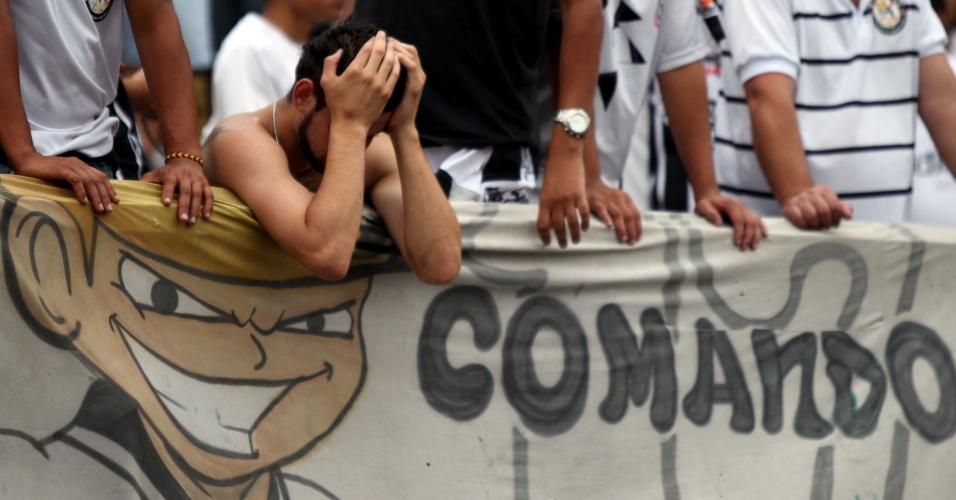 17h35 - Gol do Vasco sobre o Flamengo no Engenhão aumenta a tensão dos torcedores do Corinthians no Pacaembu