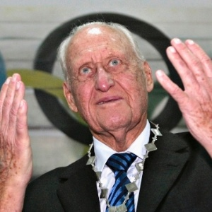 João Havelange em homenagem recebida no Paraguai; cartola foi pego recebendo propina na Suíça