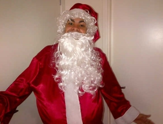 Dentinho foi um dos boleiros que colocou a fantasia de Papai Noel durante o Natal