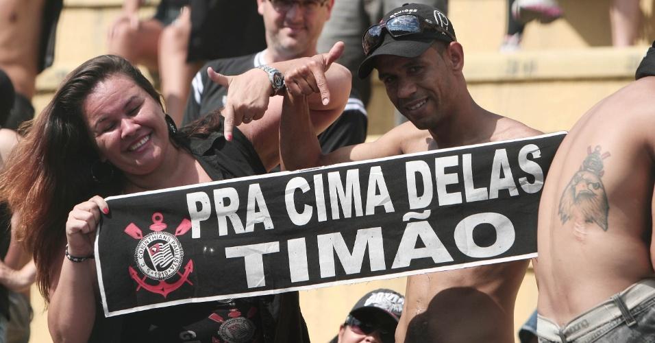 Corintianos comparecem ao Pacaembu para assistir partida contra o Bragantino (05/02/2012)