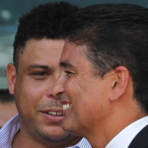 Executivo do COL considera que Ronaldo e Bebeto s&#227;o fundamentais na organiza&#231;&#227;o da Copa
