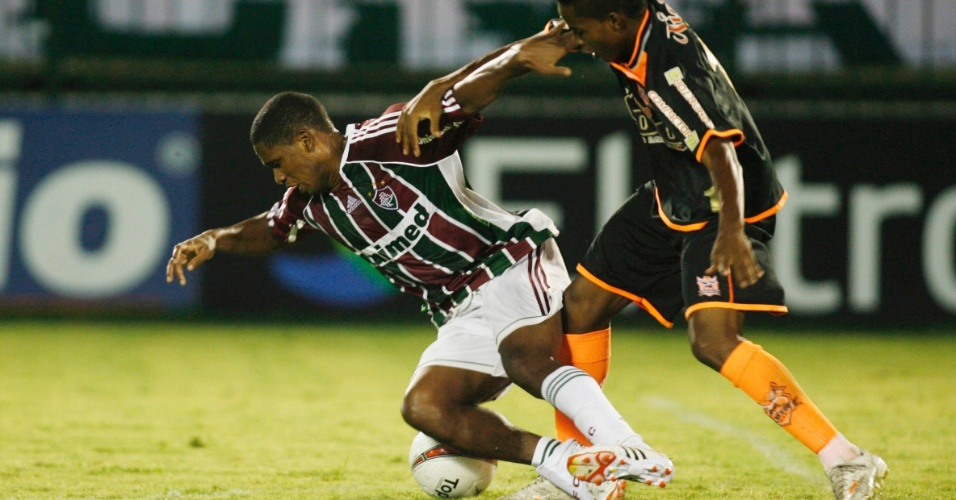 Valencia sofre falta de marcador do Nova Iguaçu durante partida do Fluminense