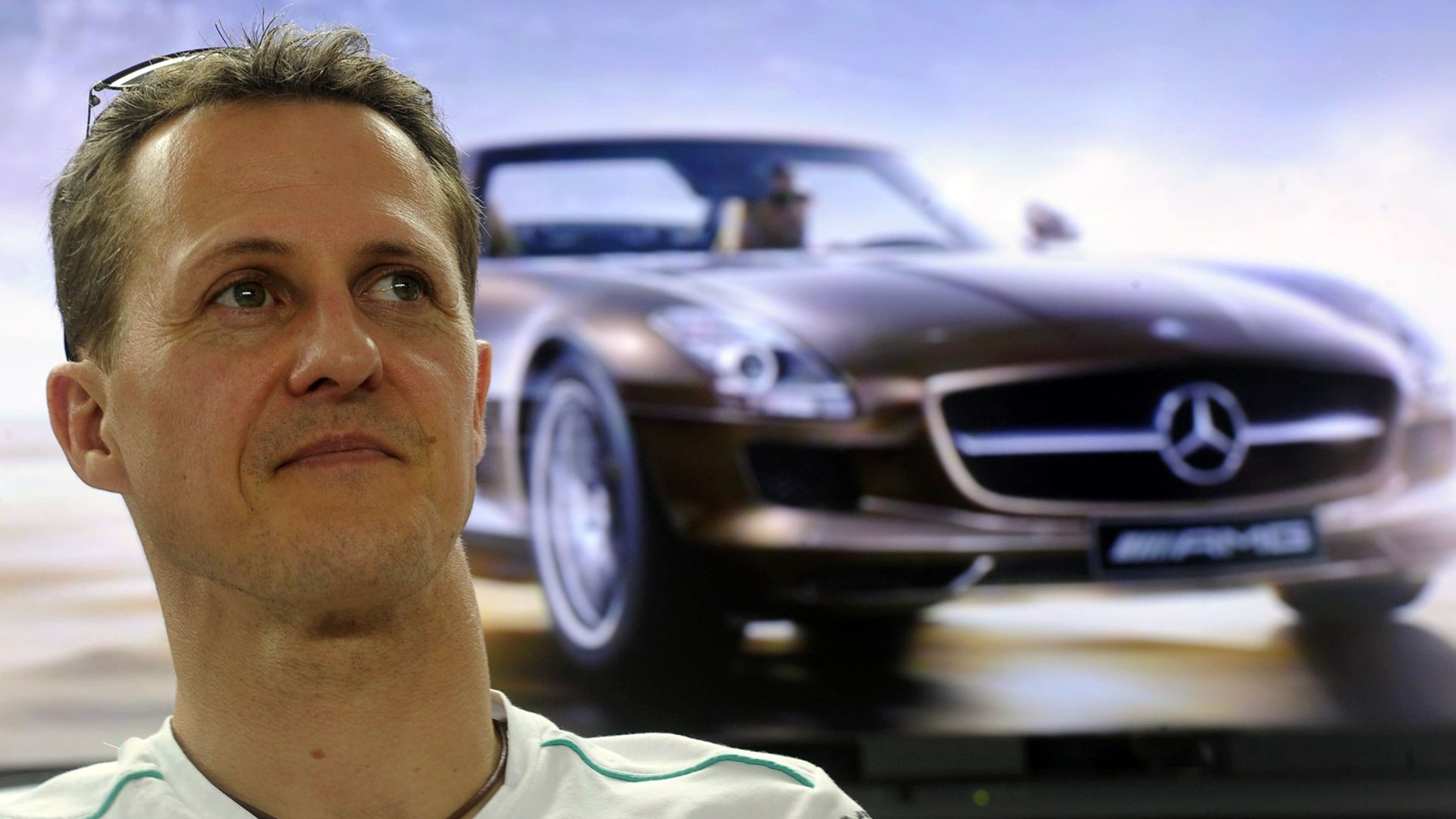 Michael Schumacher visitou a fbrica da Mercedes na Malsia, onde ser disputada a segunda etapa do Mundial de F-1