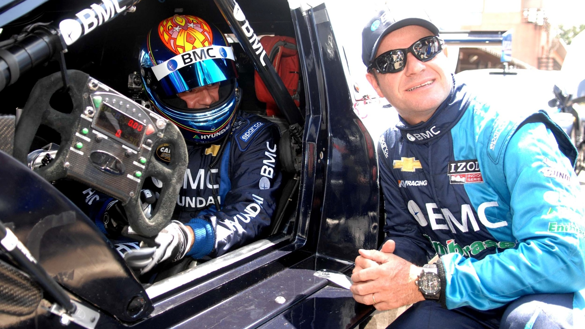 Rubens Barrichello conversa com Tuka Rocha, que corre na Stock Car pela BMC Racing