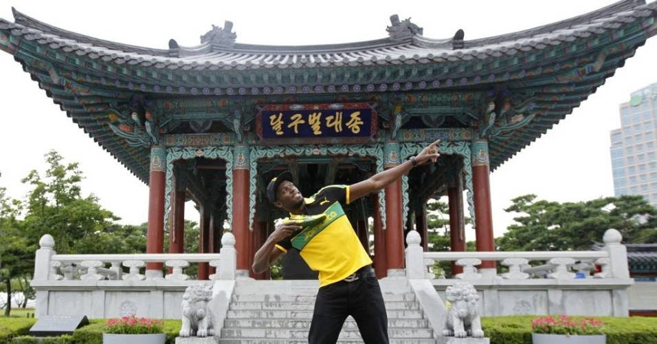 Usain Bolt posa para foto na Coreia do Sul antes do Mundial de atletismo
