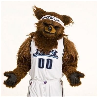 Bear, o urso mascote do Utah Jazz desde 1984