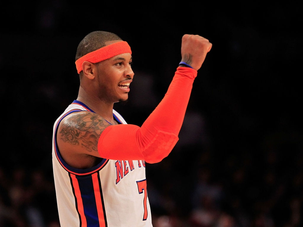 Carmelo Anthony vibra durante a vitria dos Knicks sobre os Nets