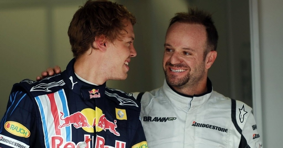 Sebastian Vettel cumprimenta Rubens Barrichelllo em 2009