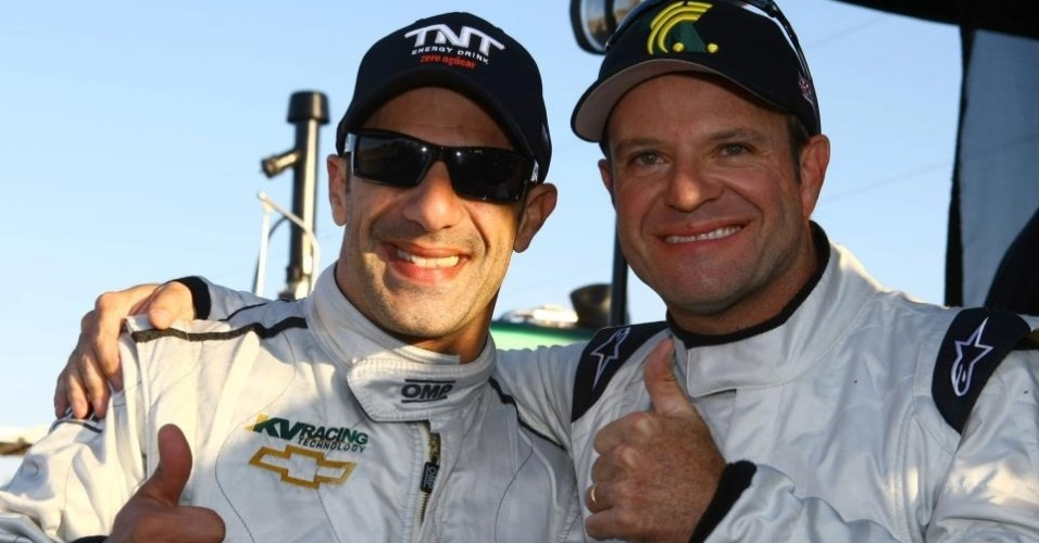 Tony Kanaan e Rubens Barrichello posam para fotos durante treinos da KV Racing na Flrida