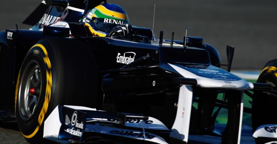Bruno Senna pilota sua Williams pelo circuito de Jerez de la Frontera durante testes (09/02/2012)