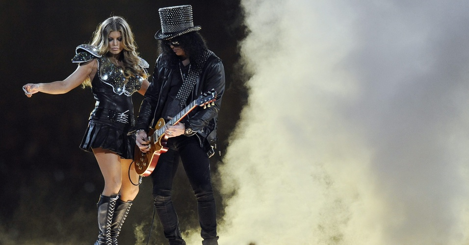 Fergie, do Black Eyed Peas, e Slash, ex-Guns 'N Roses, fazem o show do Intervalo do Super Bowl 45