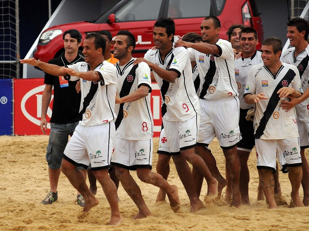 Jogadores do Vasco comemoram vitória sobre o Flamengo no Mundialito de clubes