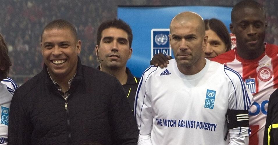 Ronaldo e Zinedine Zidane promovem jogo beneficente contra o Olympiacos, na Grécia