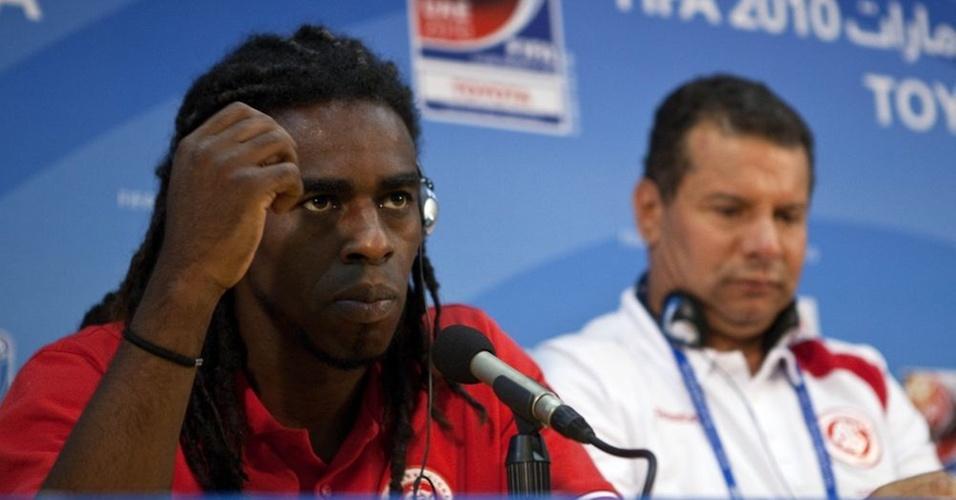 Meia do Internacional, Tinga, define 2010 como o pior ano de sua carreira depois do Mundial