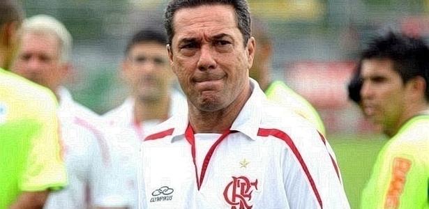 Vanderlei Luxemburgo na reapresentação do elenco do Flamengo