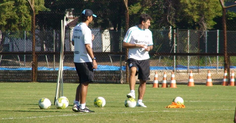 Renato Gaúcho conversa com Alexandre Mendes no suplementar do Olímpico (29/04/2011)