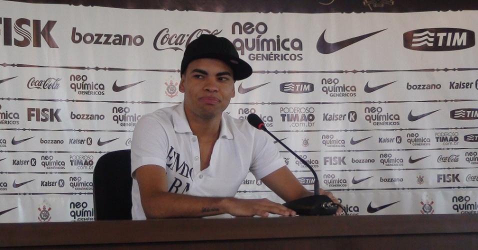 Dentinho concede entrevista coletiva na sua despedida do Corinthians (25/05/2011)