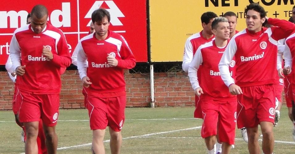 Rodrigo Moledo, Cavenaghi, D'Alessandro e Ricardo Goulart no treino do Inter (11/06/2011)