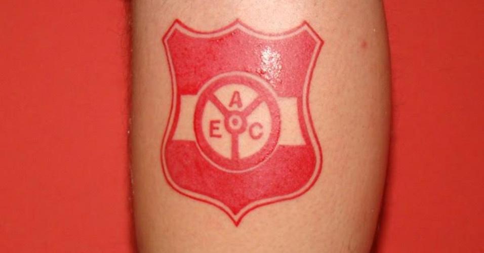 Laércio Ismar fez a tatuagem por amor ao Auto Esporte Clube-PB, como demonstração de amor ao clube e também para incentivar aos pessoenses que deem mais valor ao time de sua terra. Pegou o recado?