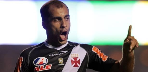 Felipe comemora o gol marcado diante do São Paulo neste domingo (31/07/2011)