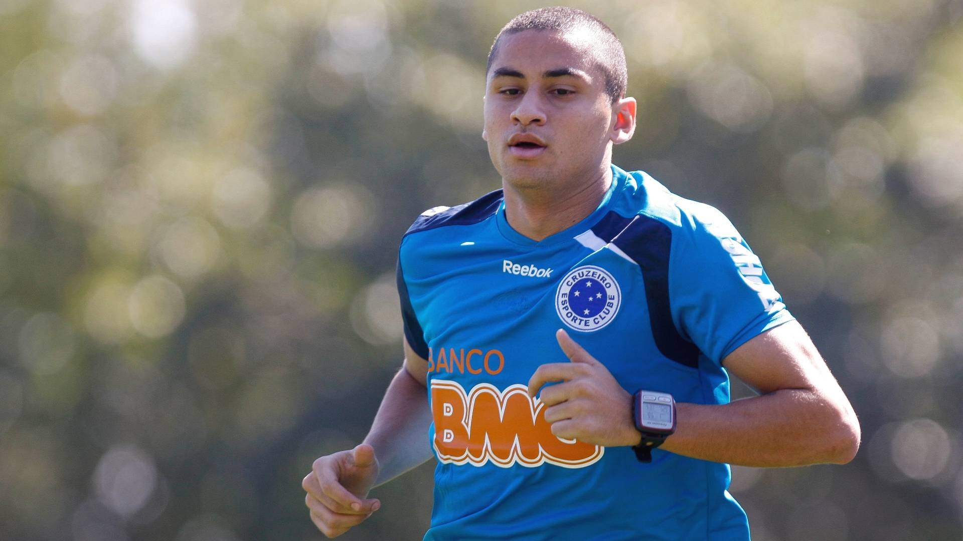 Wellington Paulista volta a treinar no Cruzeiro (9/8/2011)