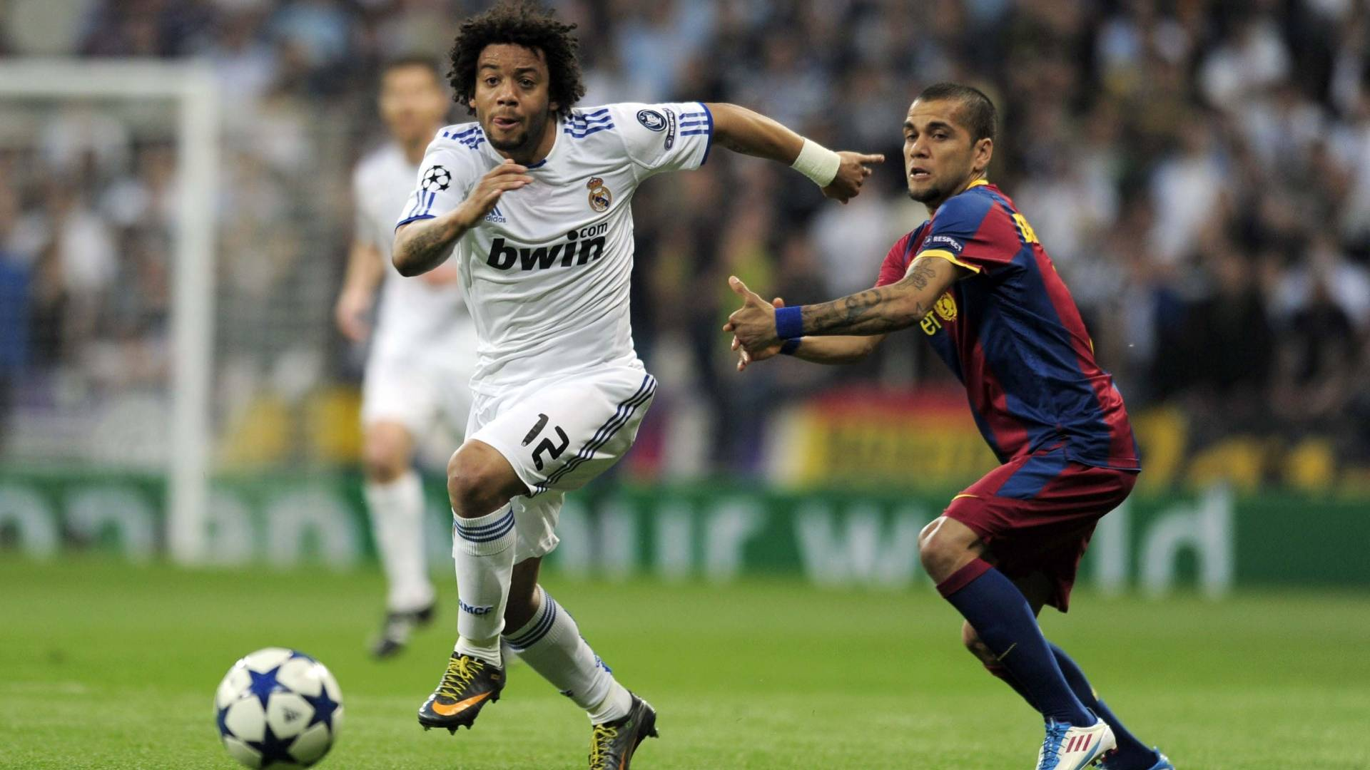 Lateral do Real Madrid Marcelo (e) e lateral-direito do Barcelona Daniel Alves