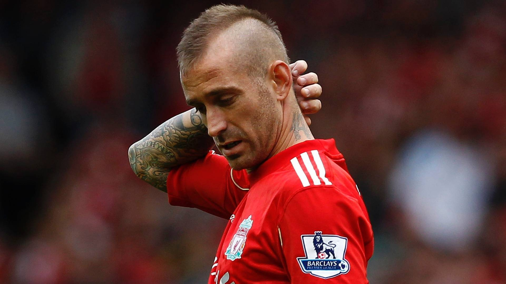 Raul Meireles durante partida do Liverpool