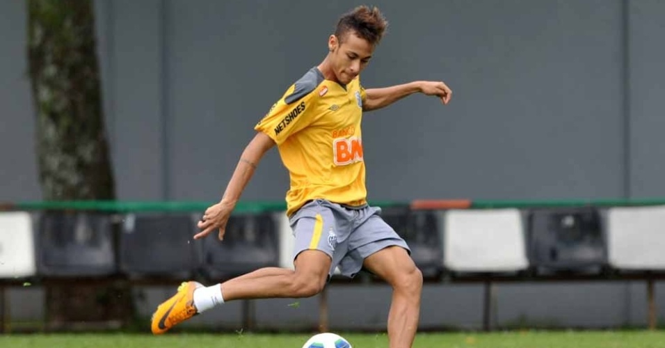 Neymar participa de treino santista no CT Rei Pel (09/09/2011)