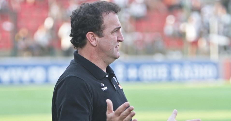 Técnico Cuca durante empate do Atlético-MG com o Ceará por 1 a 1 (2/10/2011)