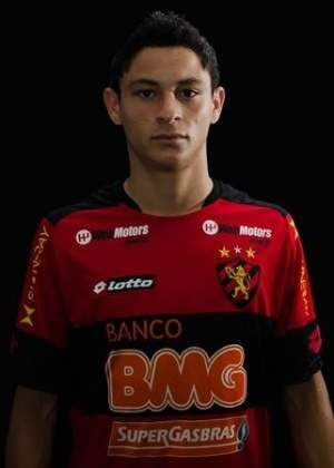 Diogo, lateral do Sport