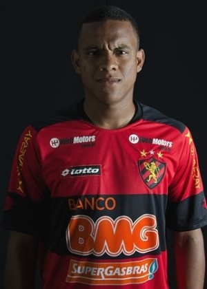Rithely, volante do Sport