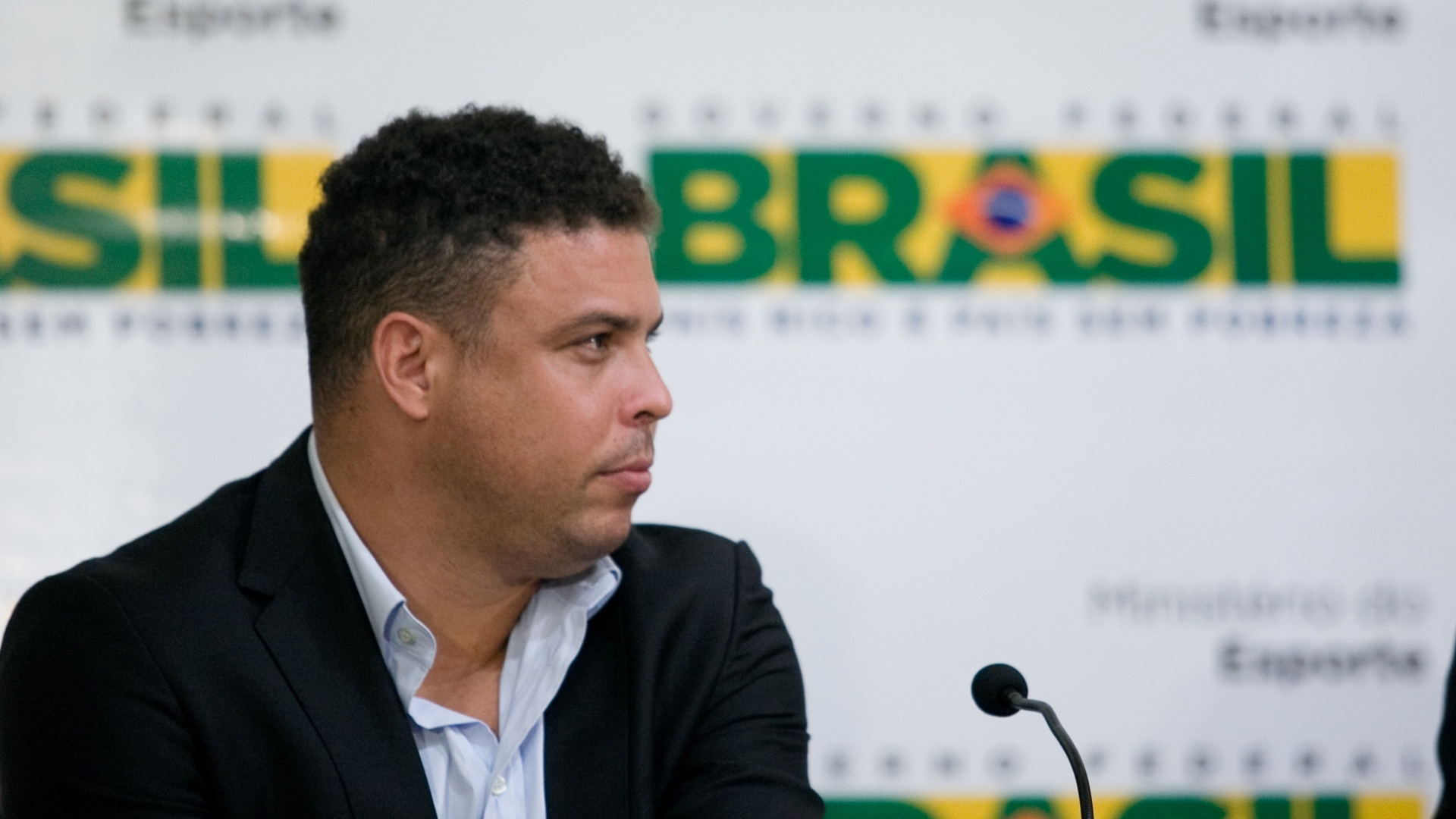 Ronaldo participa de entrevista coletiva com secretrio geral da Fifa, Jerme Valcke, e ministro Aldo Rebelo para falar sobre preparativos para a Copa do Mundo de 2014