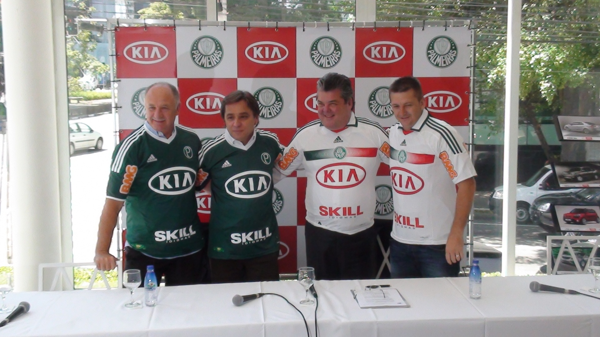 Palmeiras apresenta uniforme com a marca da Kia Motors