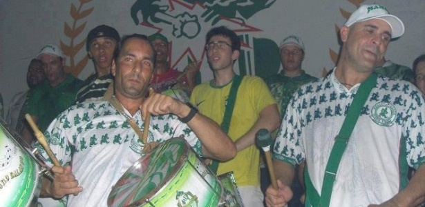 Edmundo e Marcos participam de ensaio da Mancha Verde