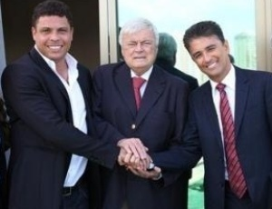 Joana Havelange, Ronaldo, Ricardo Teixeira, Bebeto e Ricardo Trade, todos do Comit Organizador Local da Copa do Mundo de 2014