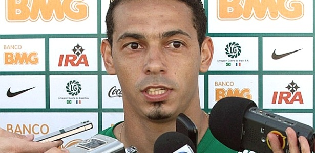 Roberto ainda &#233; d&#250;vida no ataque do Coritiba para enfrentar o Palmeiras