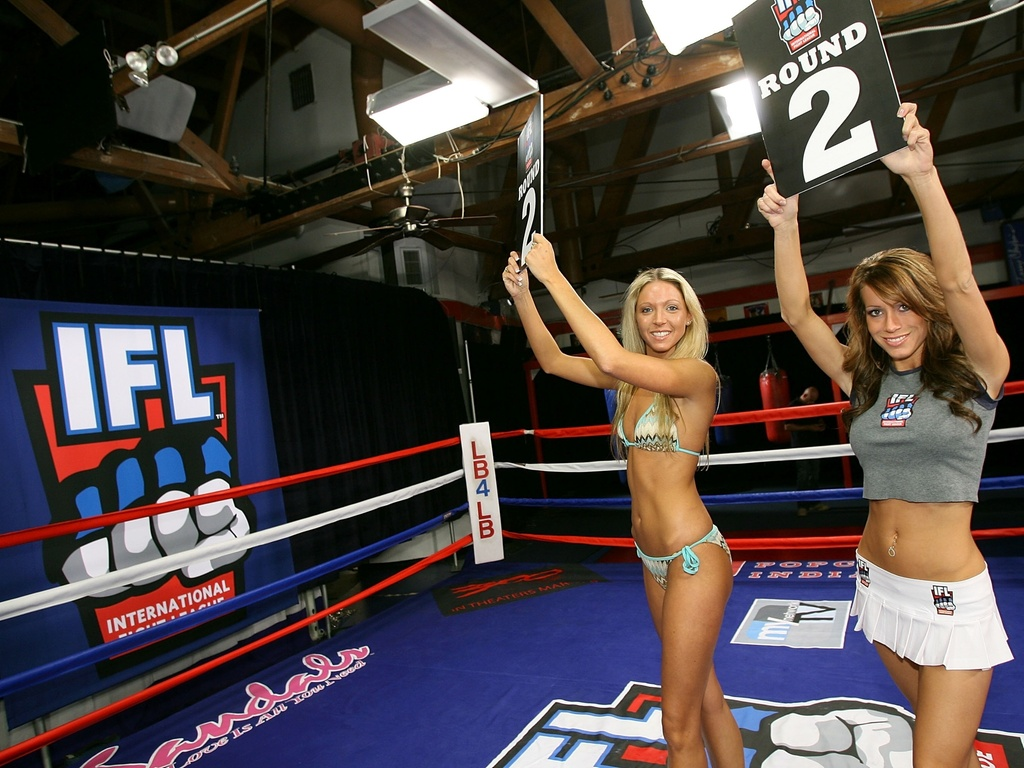 Qual das duas ring girls voc prefere?