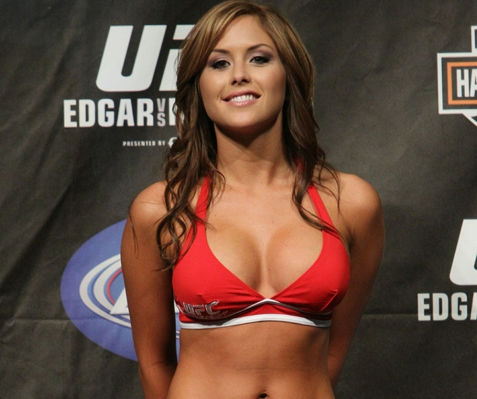 Brittney Palmer, ring girl do UFC que ficou afastada e voltou na edio 140