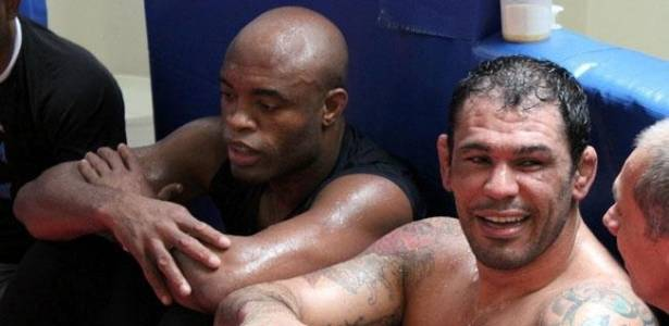 Minotauro e Anderson Silva dividem treino para luta no UFC