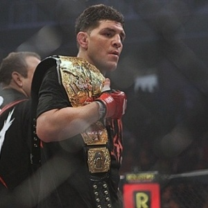 Nick Diaz foi campe&#227;o dos meio-m&#233;dios do Strikeforce e anunciou aposentadoria em fevereiro
