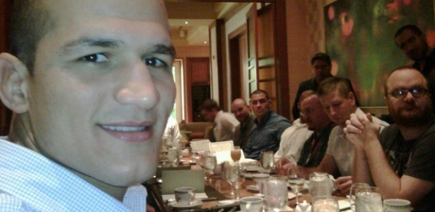 Junior Cigano posta foto de caf da manh com Cain Velsquez, em compromisso com o UFC