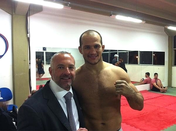 Dono do UFC Lorenzo Fertitta visita Junior Cigano dos Santos, em Salvador